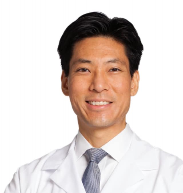 Dr. David H. Wei explains how tennis elbow develops and what doctors can do to alleviate the pain.