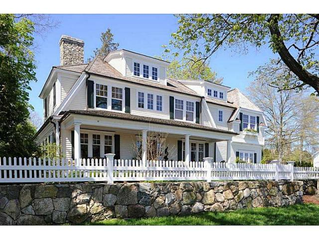The home at 401 South Ave. in New Canaan recently sold for $2.59 million.
